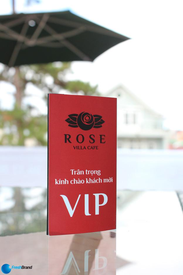 thiet ke logo nhan dien thuong hieu rosevillacafe